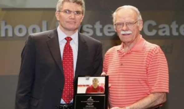 MHSAA Brian Plett Awarded Coaching Manitoba\'s Peter Dick Award